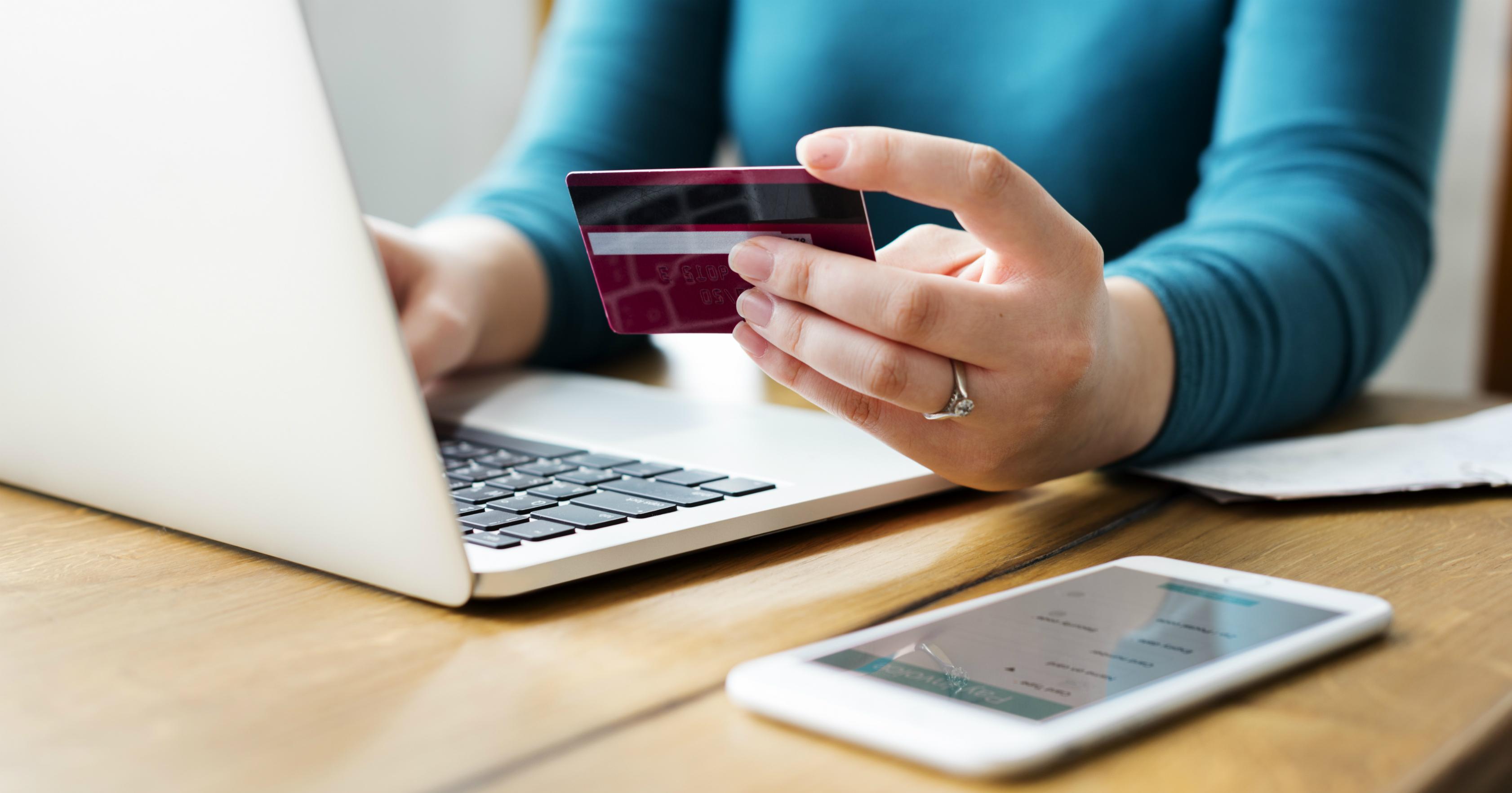 Veja como funcionam as novas regras do rotativo do cartão de crédito